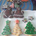 クッキーのアイシング色の付け方や可愛いデザインのクリスマスツリー作り方